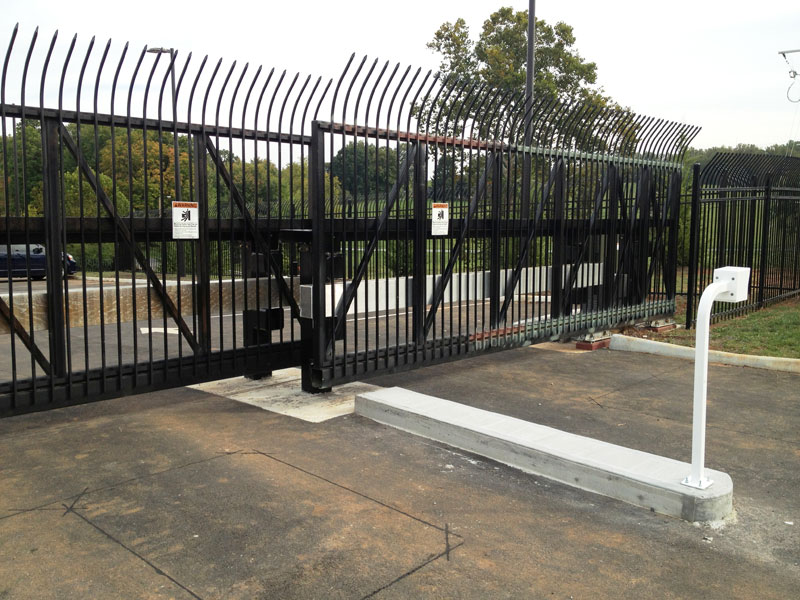 Vehicle gate access control guide