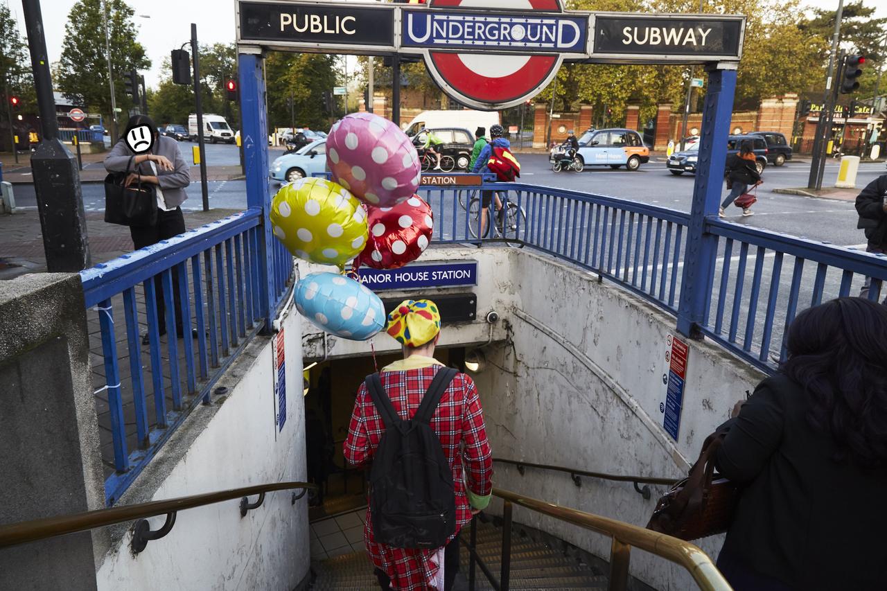 clown on tube